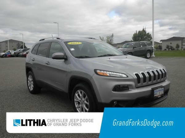 2017 Jeep Cherokee in Grand Forks, ND