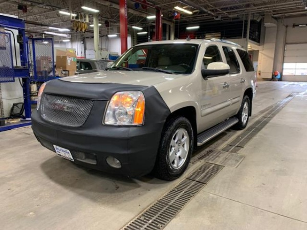 2008 GMC Yukon in Grand Forks, ND