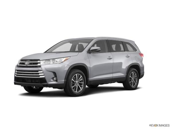 2019 Toyota Highlander in Little Falls, NJ