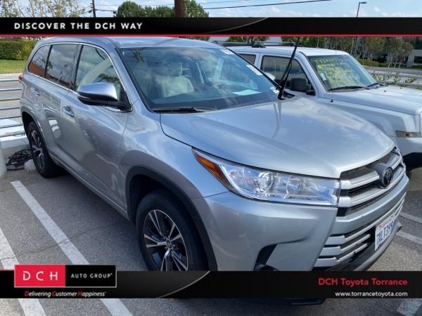 2017 Toyota Highlander in Torrance, CA
