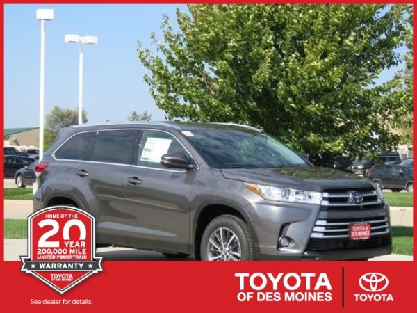 2019 Toyota Highlander in Grimes, IA