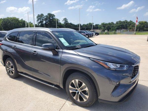 2020 Toyota Highlander in Conroe, TX