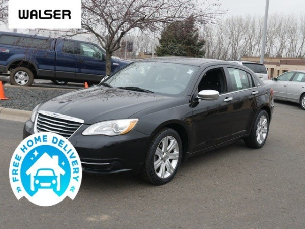 2013 Chrysler 200 in Burnsville, MN