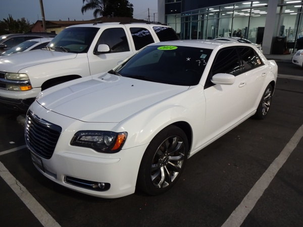 2014 Chrysler 300 in Hawthorne, CA