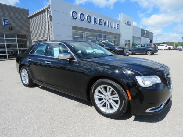 2016 Chrysler 300 in Cookeville, TN