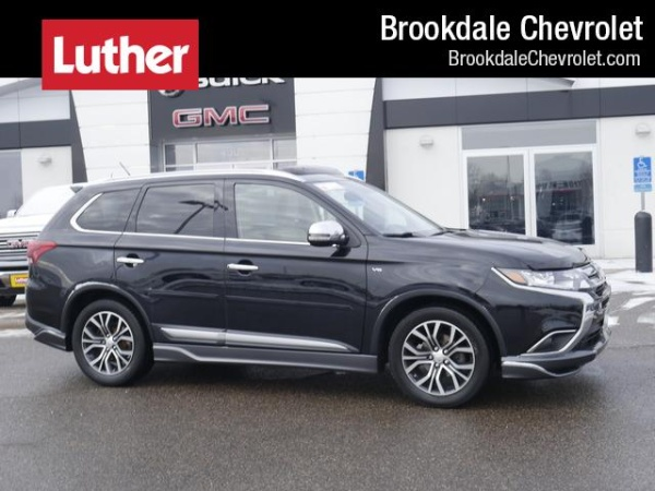 2016 Mitsubishi Outlander in Brooklyn Center, MN