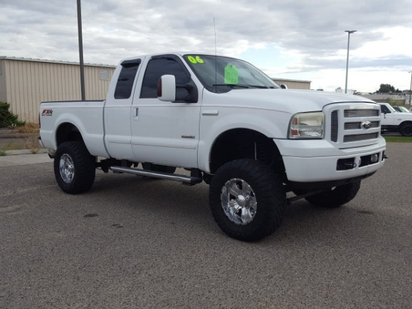 2006 Ford Super Duty F-350 Lariat