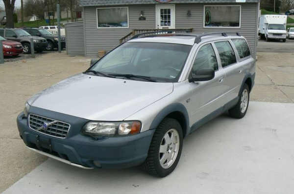 2002 Volvo V70 XC Turbo Automatic with Sunroof AWD For Sale