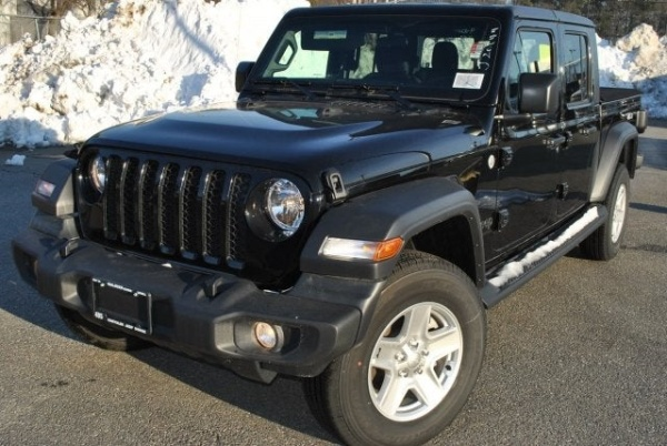 2020 Jeep Gladiator in Lowell, MA