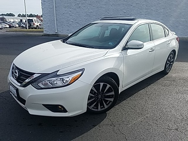 2017 Nissan Altima in Colonial Heights, VA