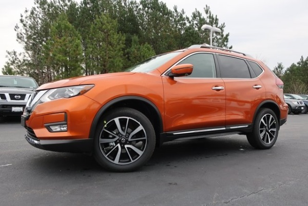 2020 Nissan Rogue in Colonial Heights, VA