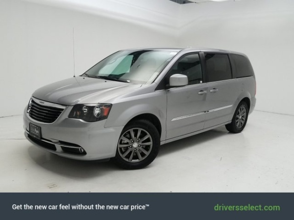 2016 Chrysler Town and Country S