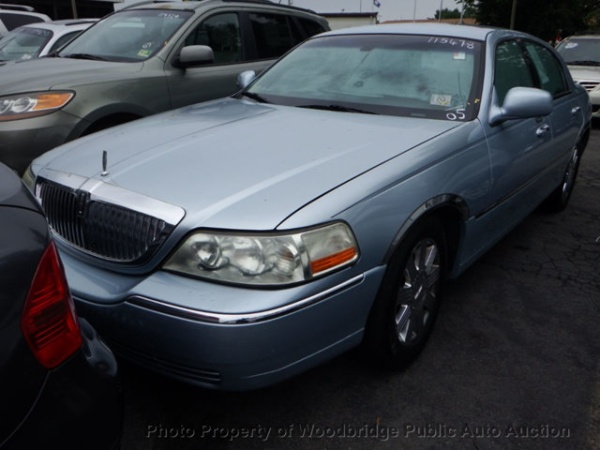 2005 Lincoln Town Car Signature Limited For Sale In Woodbridge Va