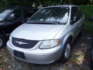 2002 Chrysler Town Country Ex Fwd For In Woodbridge