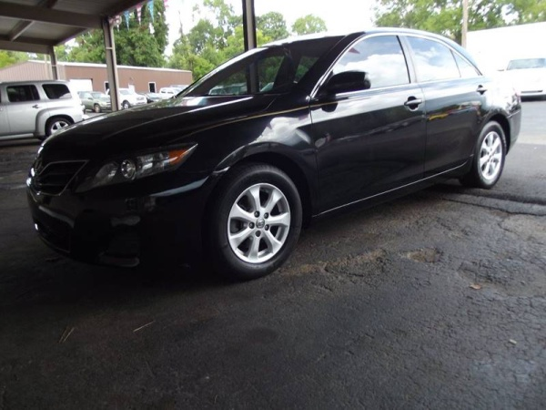 2011 Toyota Camry in Cleveland, TX