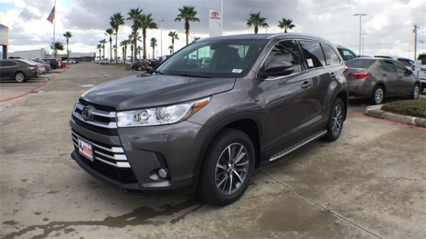 2019 Toyota Highlander in Corpus Christi, TX