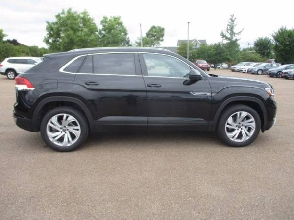 2020 Volkswagen Atlas Cross Sport in South Burlington, VT