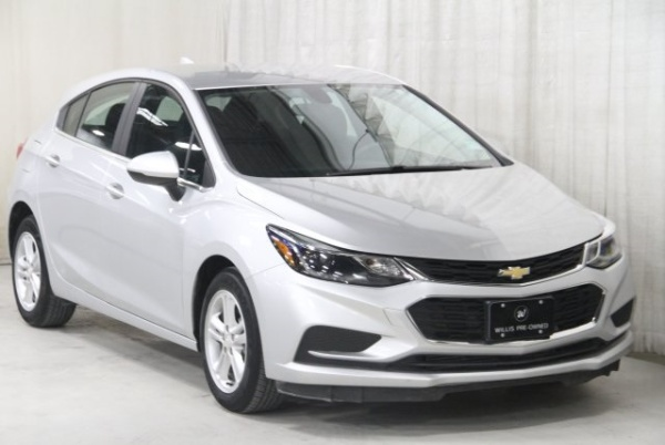 2018 Chevrolet Cruze in Clive, IA