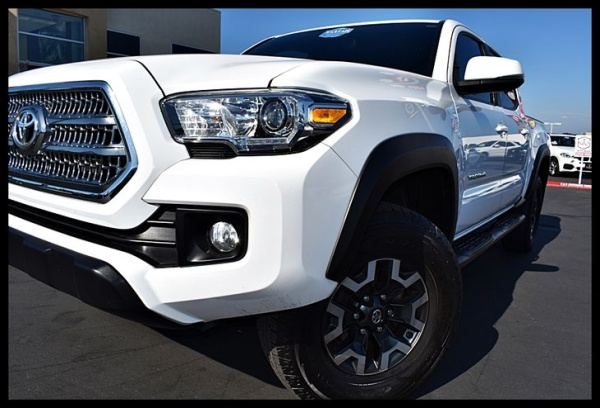2016 Toyota Tacoma SR Double Cab 5' Bed V6 4WD Automatic For