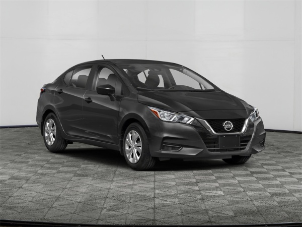 2020 Nissan Versa in Gladstone, OR
