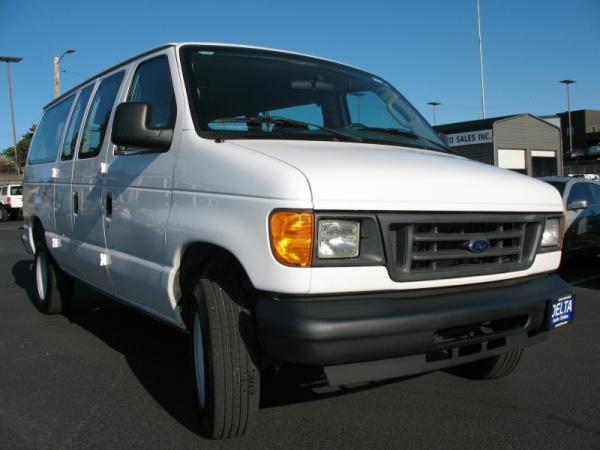 2005 Ford Econoline Wagon in Milwaukie, OR