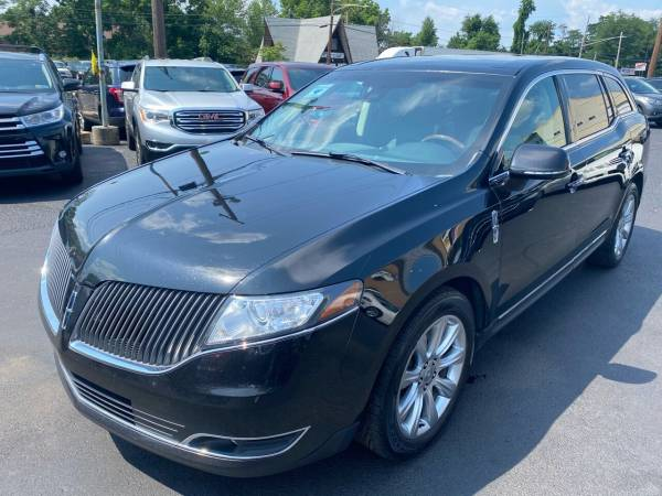 2013 Lincoln MKT in Levittown, PA