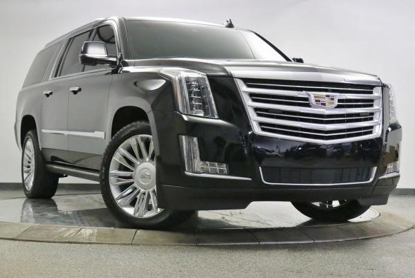 2017 Cadillac Escalade in Barrington, IL