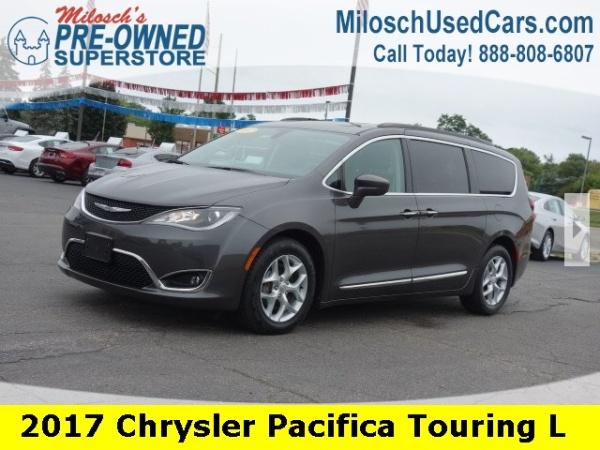 2017 Chrysler Pacifica in Lake Orion, MI