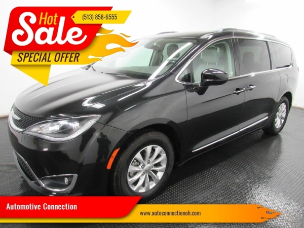 2018 Chrysler Pacifica in Fairfield, OH