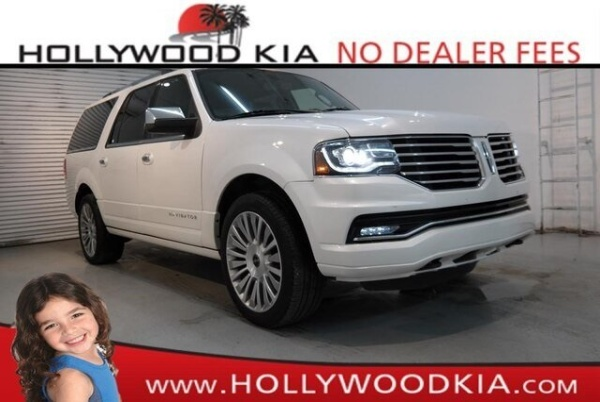 2017 Lincoln Navigator in Hollywood, FL