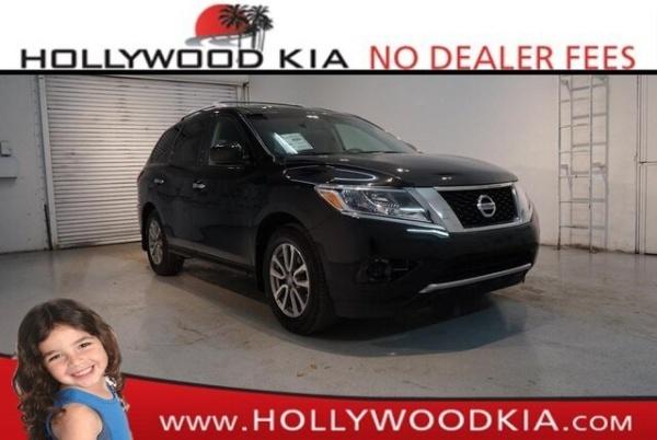 2016 Nissan Pathfinder in Hollywood, FL