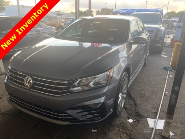 2017 Volkswagen Passat in Hollywood, FL