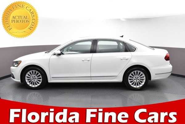 2017 Volkswagen Passat in West Palm Beach, FL