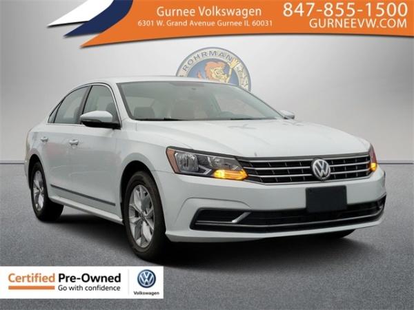 2017 Volkswagen Passat in Gurnee, IL