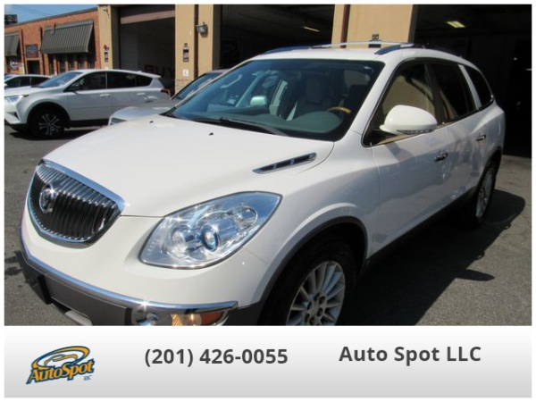 2008 Buick Enclave in Garfield, NJ