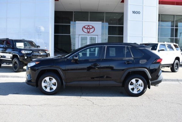 2019 Toyota RAV4 in Streamwood, IL