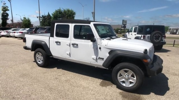 2020 Jeep Gladiator in Milwaukee, WI