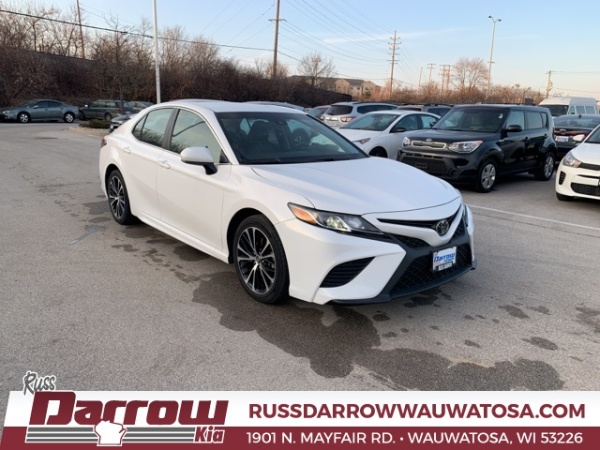 2018 Toyota Camry in Wauwatosa, WI
