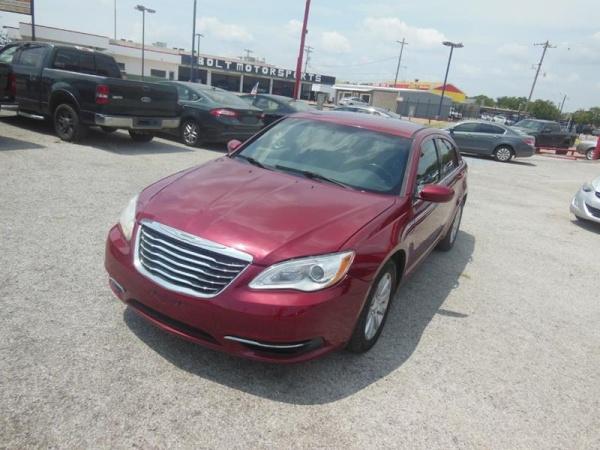2011 Chrysler 200 in Garland, TX