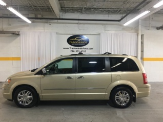 bf87c00646 2010 Chrysler Town   Country Limited for Sale in Cleveland