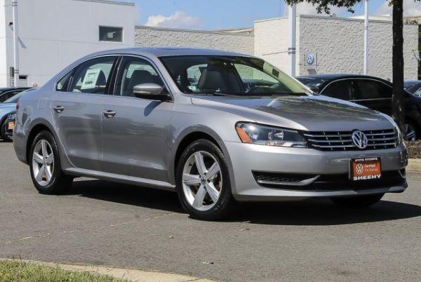 2013 Volkswagen Passat in Springfield, VA