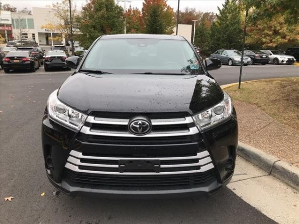 2017 Toyota Highlander in Chantilly, VA