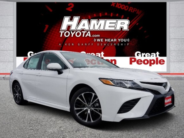 2019 Toyota Camry in Mission Hills, CA