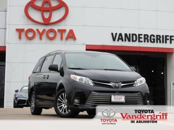 2019 Toyota Sienna in Arlington, TX