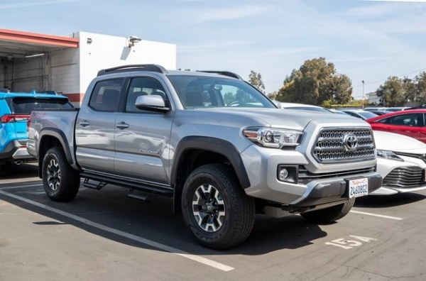 2017 Toyota Tacoma in Manhattan Beach, CA