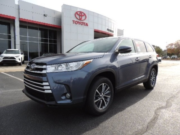 2019 Toyota Highlander in Washington, NC