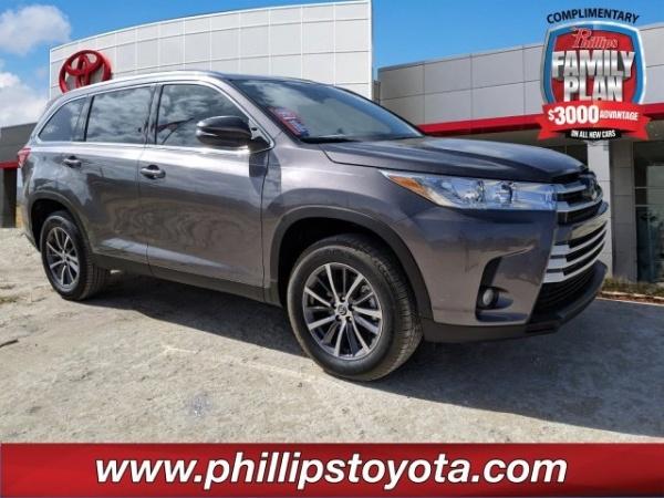 2019 Toyota Highlander in Leesburg, FL