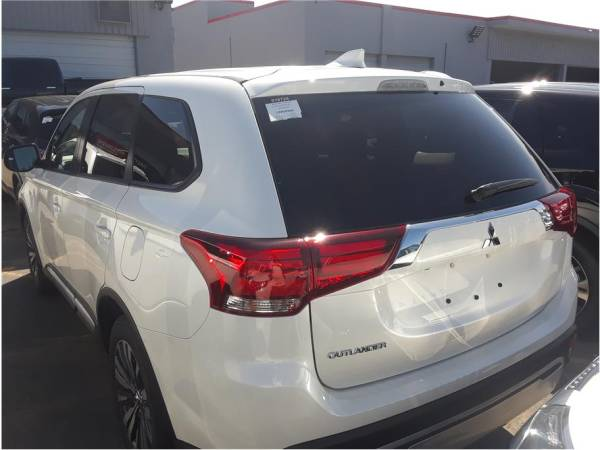 2020 Mitsubishi Outlander in Hayward, CA