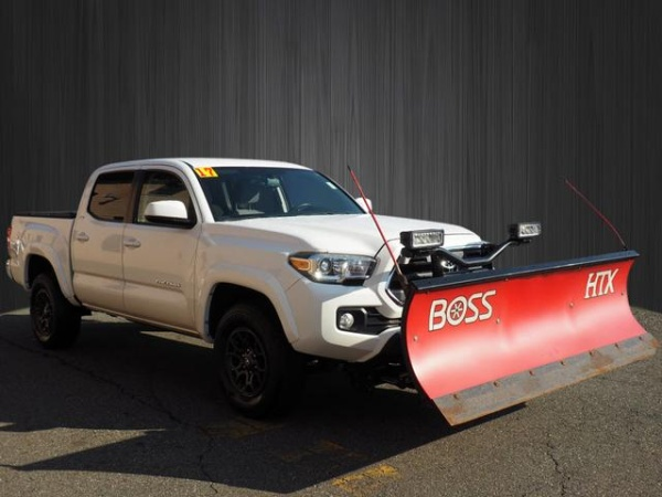 2017 Toyota Tacoma in West Caldwell, NJ