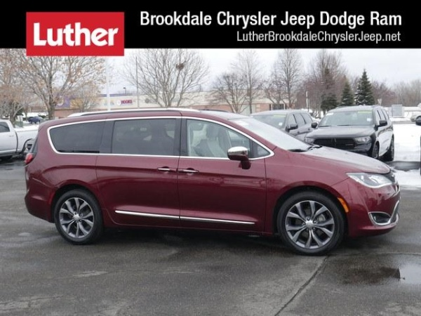 2017 Chrysler Pacifica in Brooklyn Park, MN